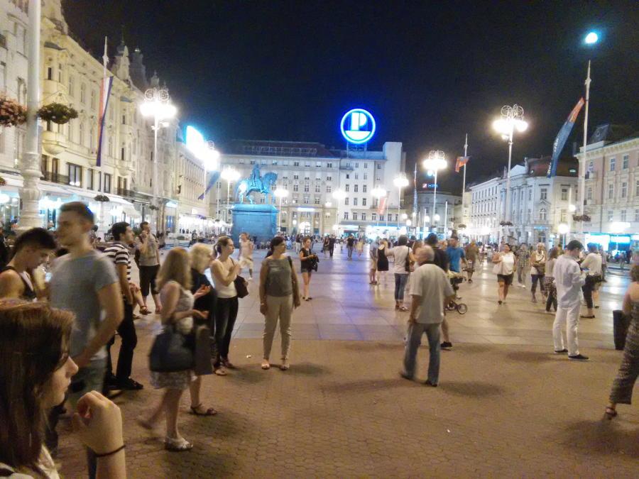 ZagrebatNight0002